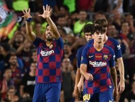 سواريز يقود برشلونة لفوز قاتل على أرسنال